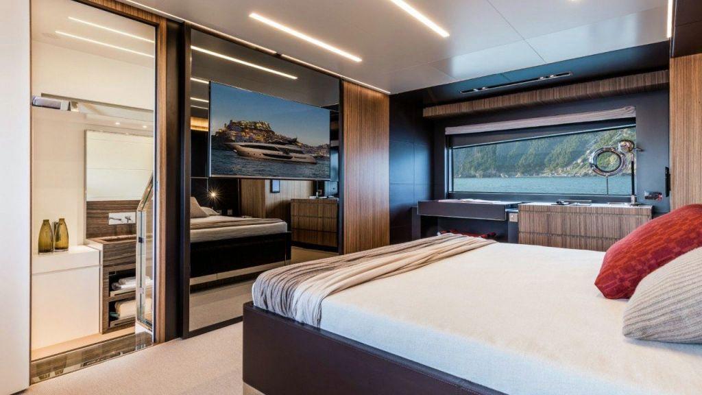 Riva 100 Corsaro motor Yacht (28)