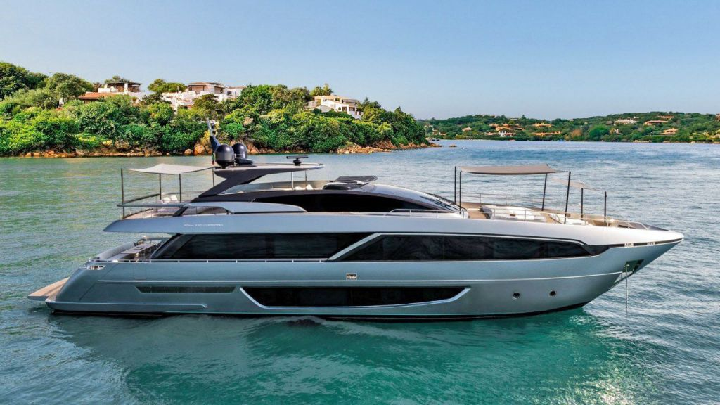 Riva 100 Corsaro motor Yacht (3)
