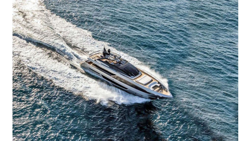 Riva 100 Corsaro motor Yacht (6)