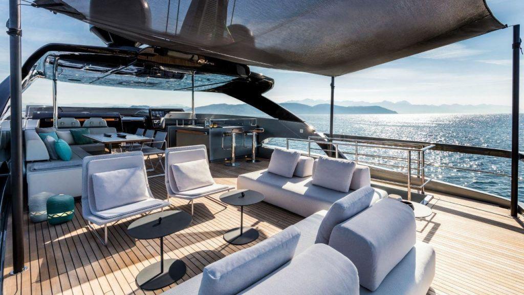 Riva 100 Corsaro motor Yacht (8)