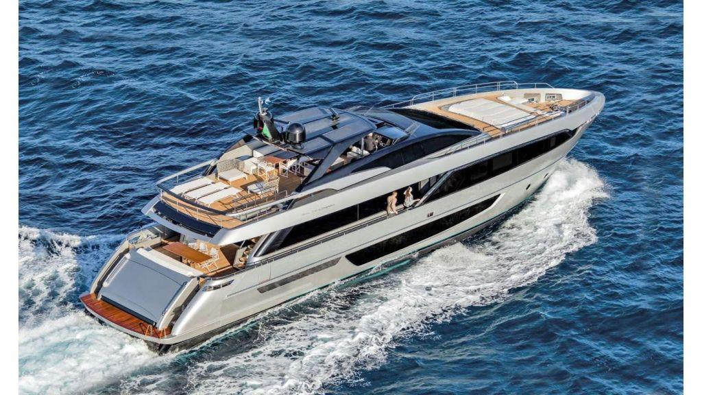 Riva 100 Corsaro motor Yacht