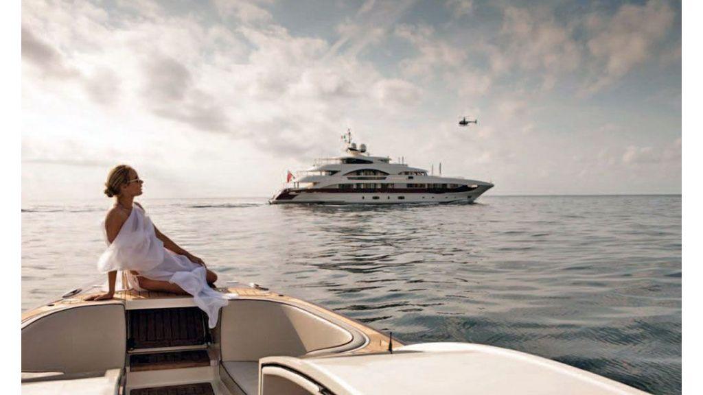 Motor Yacht Quine Essential (11)