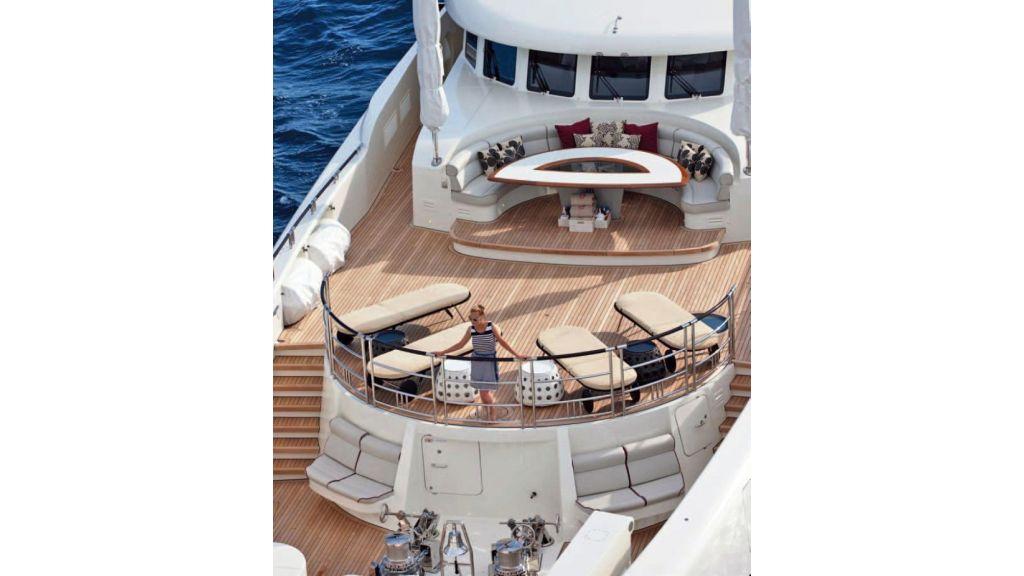 Motor Yacht Quine Essential (15)