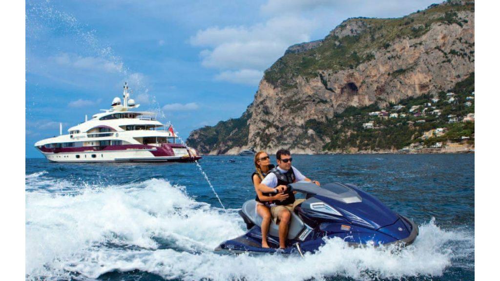 Motor Yacht Quine Essential (23)