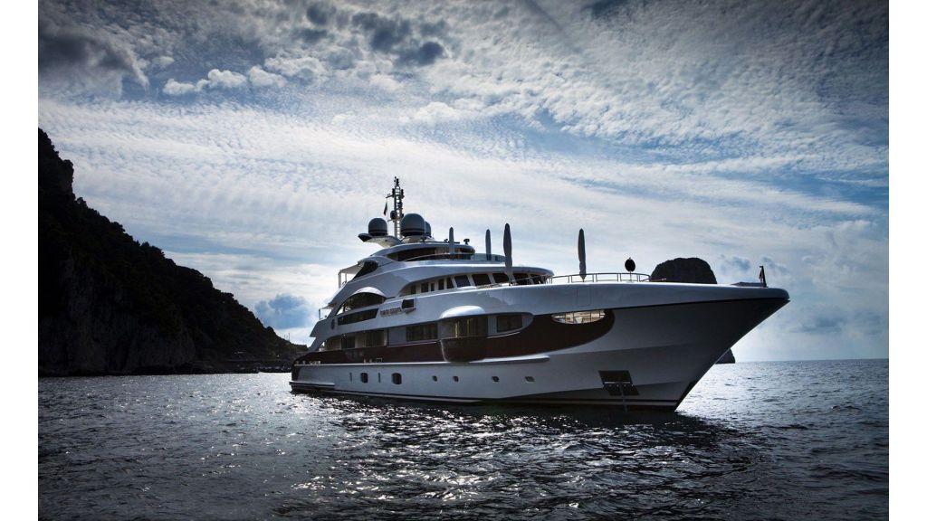 Motor Yacht Quine Essential (26)