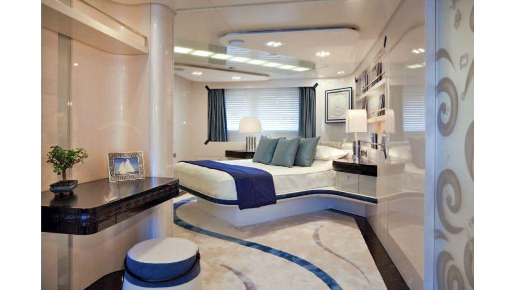 Motor Yacht Quine Essential (32)