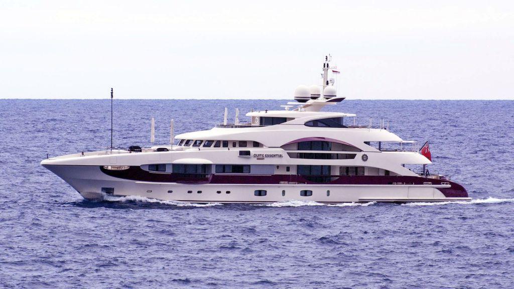 Motor Yacht Quine Essential (36)