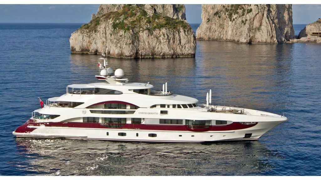 Motor Yacht Quine Essential