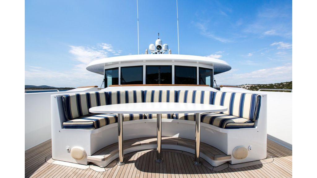 Mustique Luxury Motor Yacht (11)