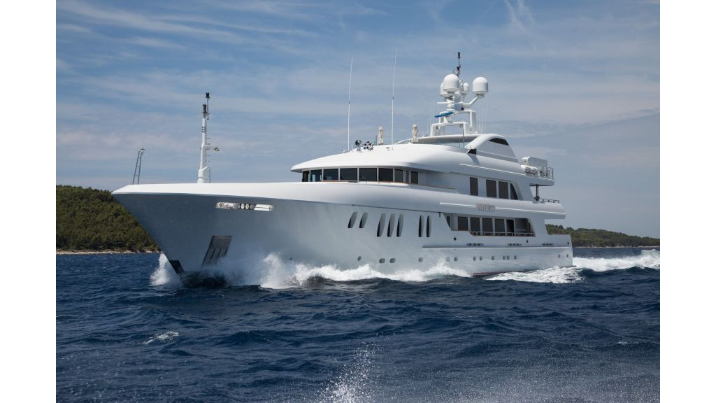 Mustique Luxury Motor Yacht (113)