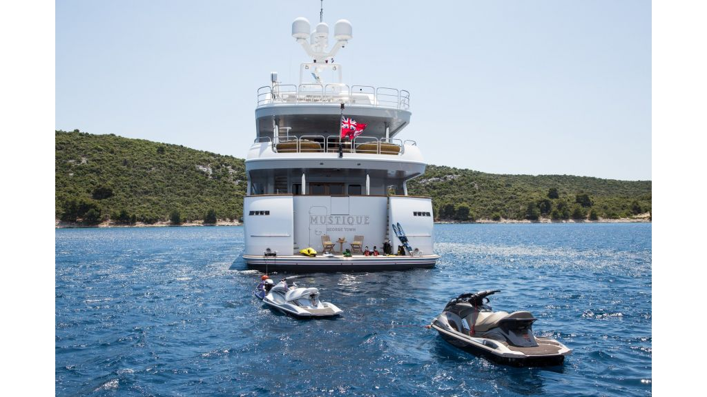 Mustique Luxury Motor Yacht (128)