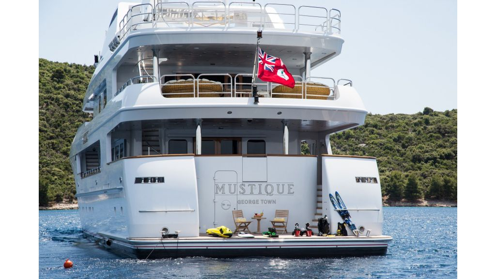 Mustique Luxury Motor Yacht (129)