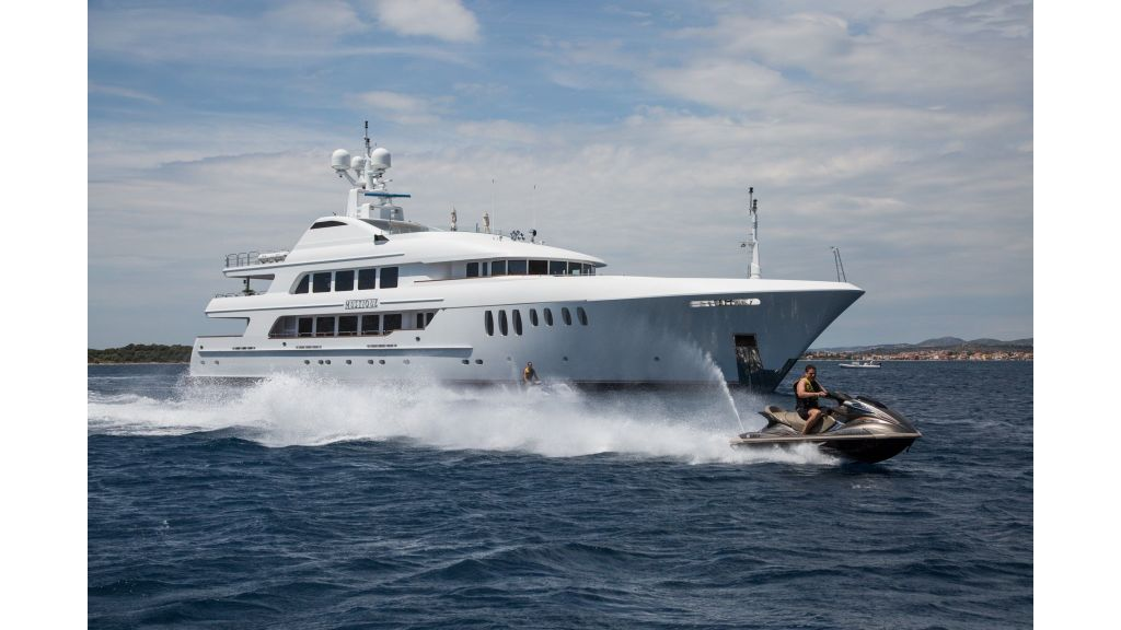 Mustique Luxury Motor Yacht (134)