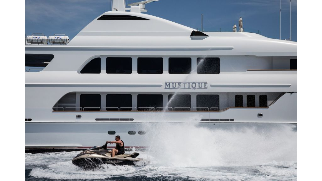 Mustique Luxury Motor Yacht (138)
