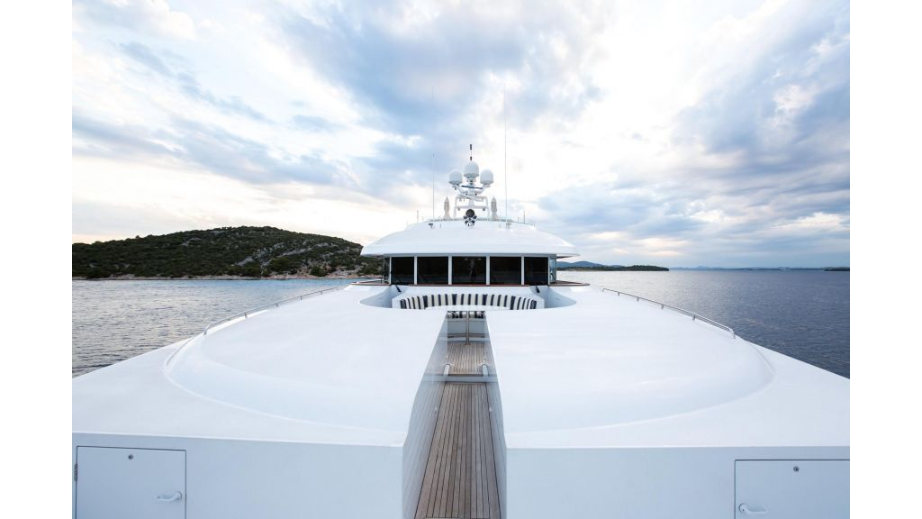 Mustique Luxury Motor Yacht (16)