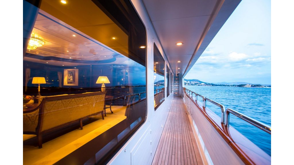 Mustique Luxury Motor Yacht (18)