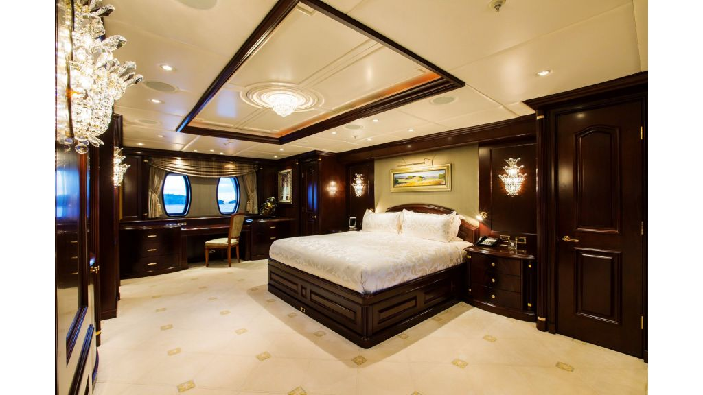 Mustique Luxury Motor Yacht (210)