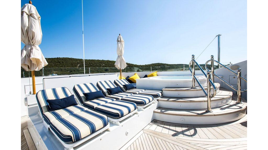 Mustique Luxury Motor Yacht (225)