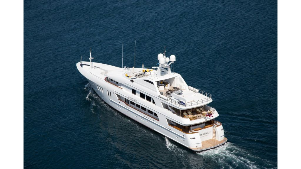 Mustique Luxury Motor Yacht (44)