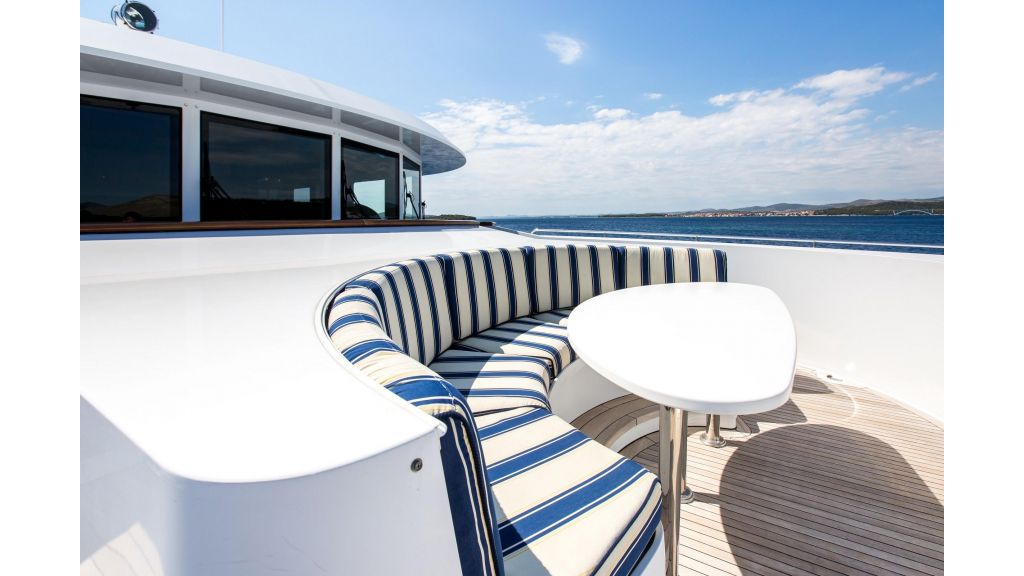 Mustique Luxury Motor Yacht (5)