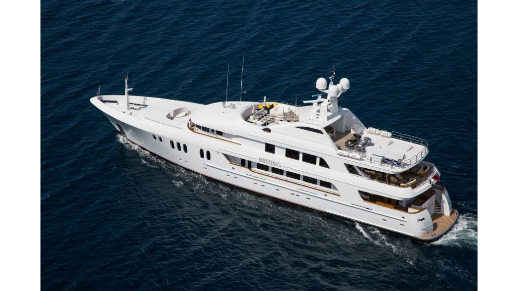 Mustique Luxury Motor Yacht (53)