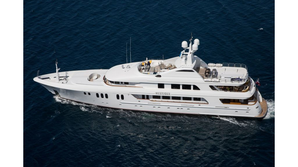 Mustique Luxury Motor Yacht (54)
