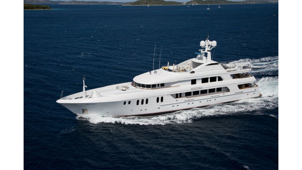 Mustique Luxury Motor Yacht (58)