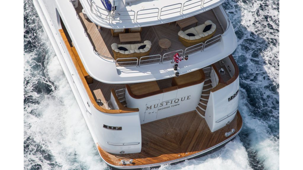 Mustique Luxury Motor Yacht (62)