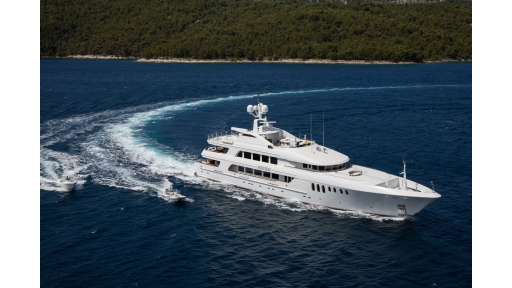 Mustique Luxury Motor Yacht (80)