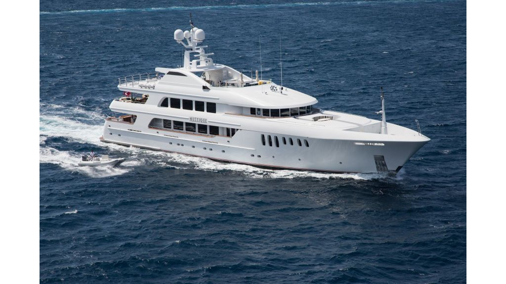 Mustique Luxury Motor Yacht (85)