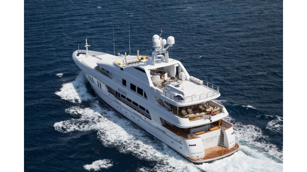 Mustique Luxury Motor Yacht (88)