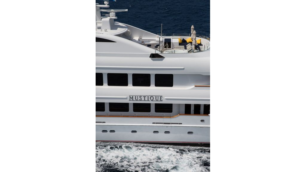 Mustique Luxury Motor Yacht (99)