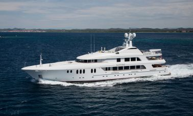 Mustique Luxury Motor Yacht