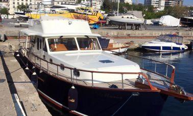 Classic Yacht Cruiser (12)