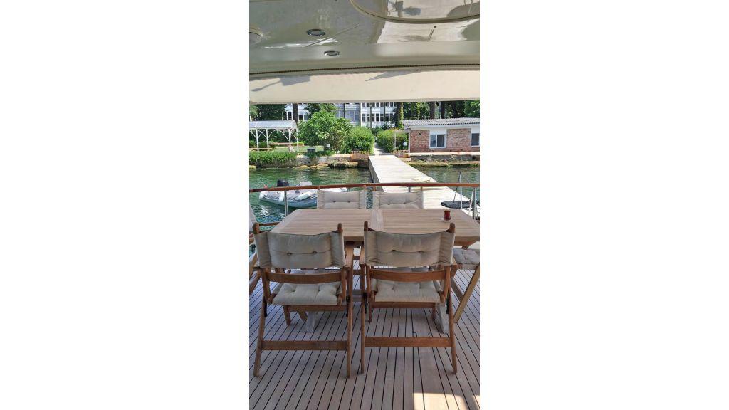 Classic Yacht Cruiser (14)