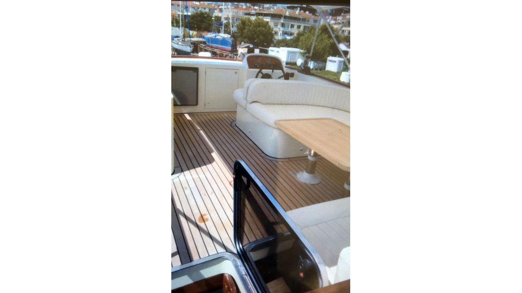 Classic Yacht Cruiser (6)