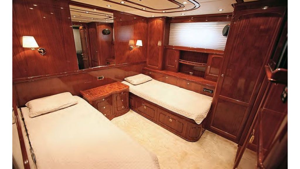 Luxury Sailing For Sale (12)