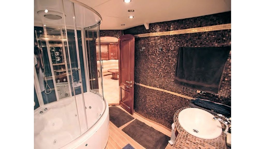 Luxury-Sailing-Yacht-for-Sale (13)