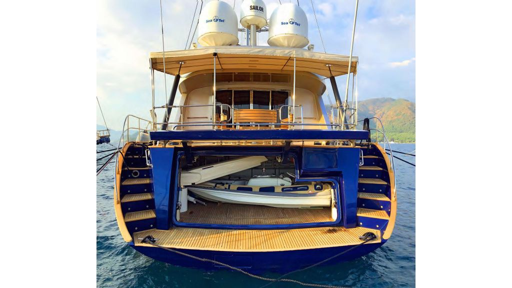 Luxury-Sailing-Yacht-for-Sale (3)