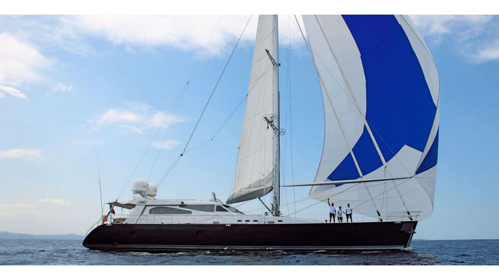 Luxury-Sailing-Yacht-for-Sale - master