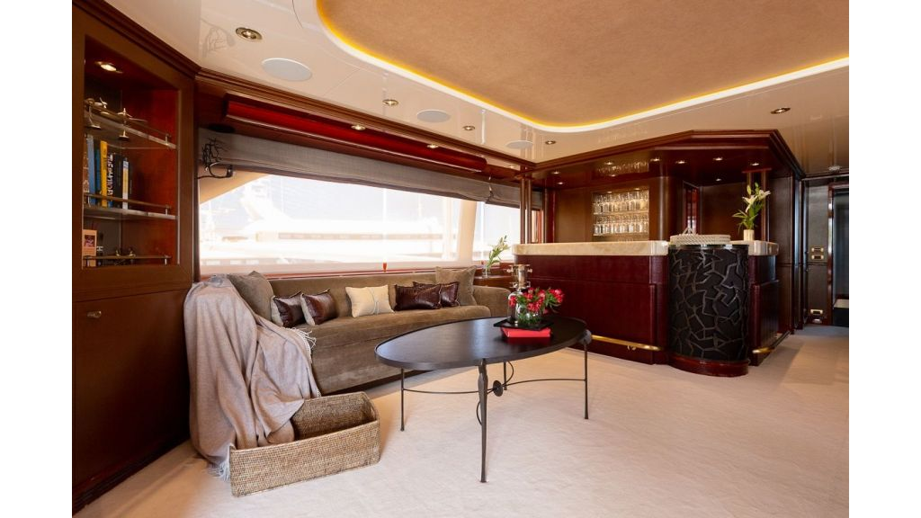 Luxury motor yacht Il Sole (46)
