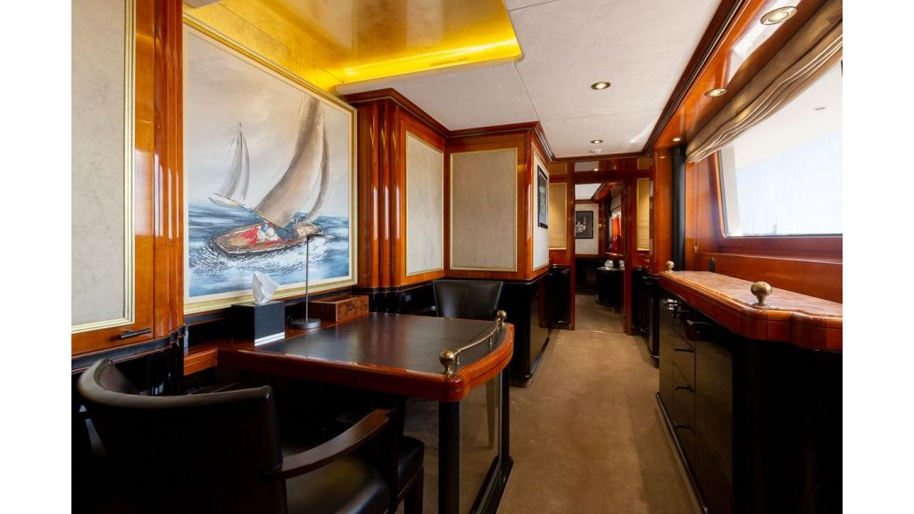 Luxury motor yacht Il Sole (5)