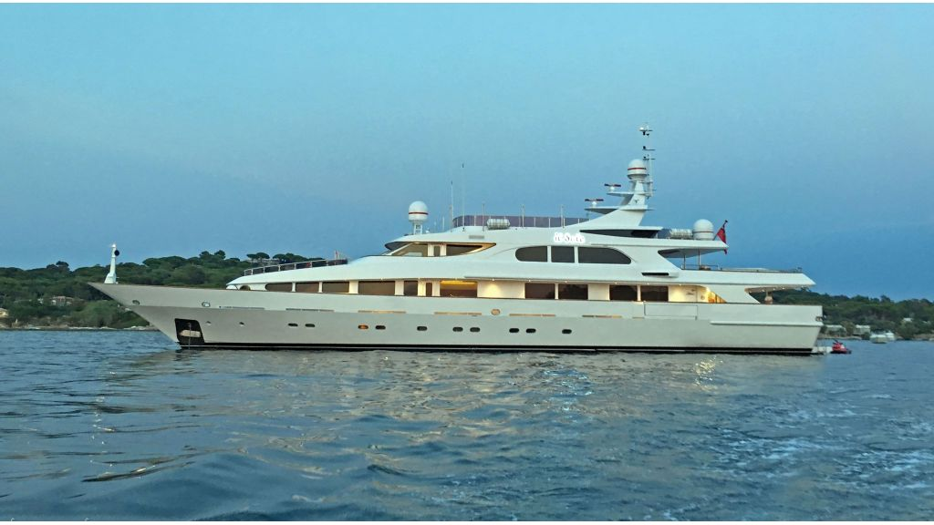 Luxury motor yacht Il Sole (56)