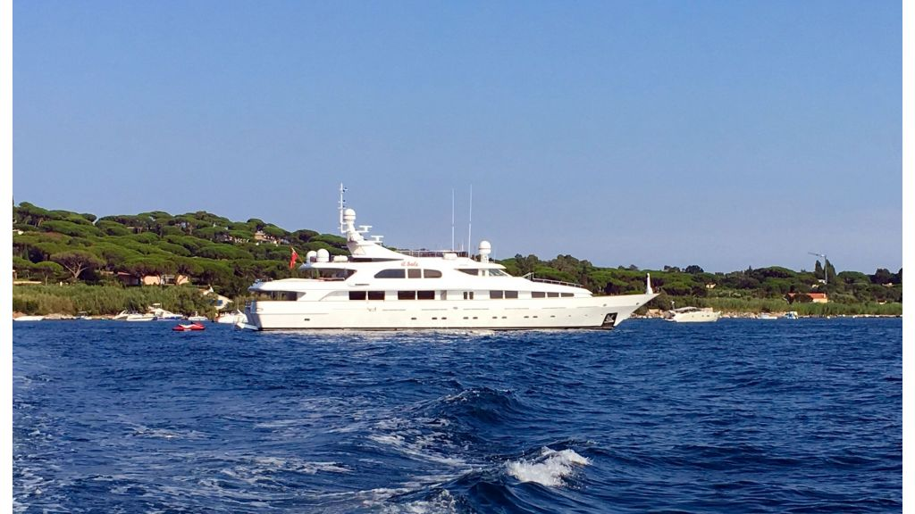 Luxury motor yacht Il Sole (57)