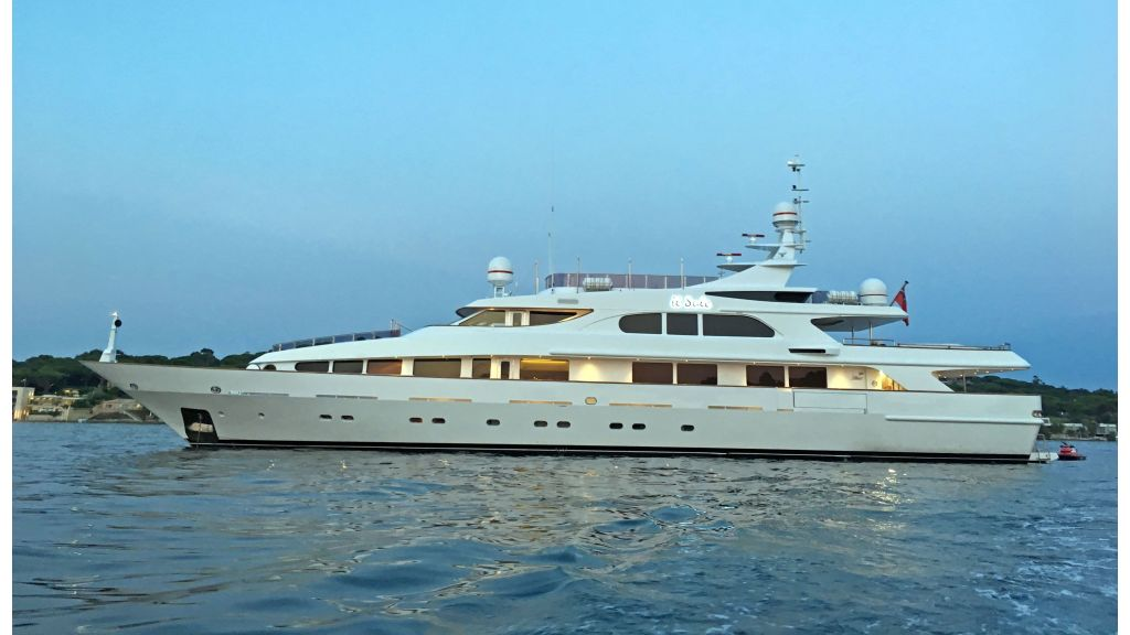 Luxury motor yacht Il Sole (58)