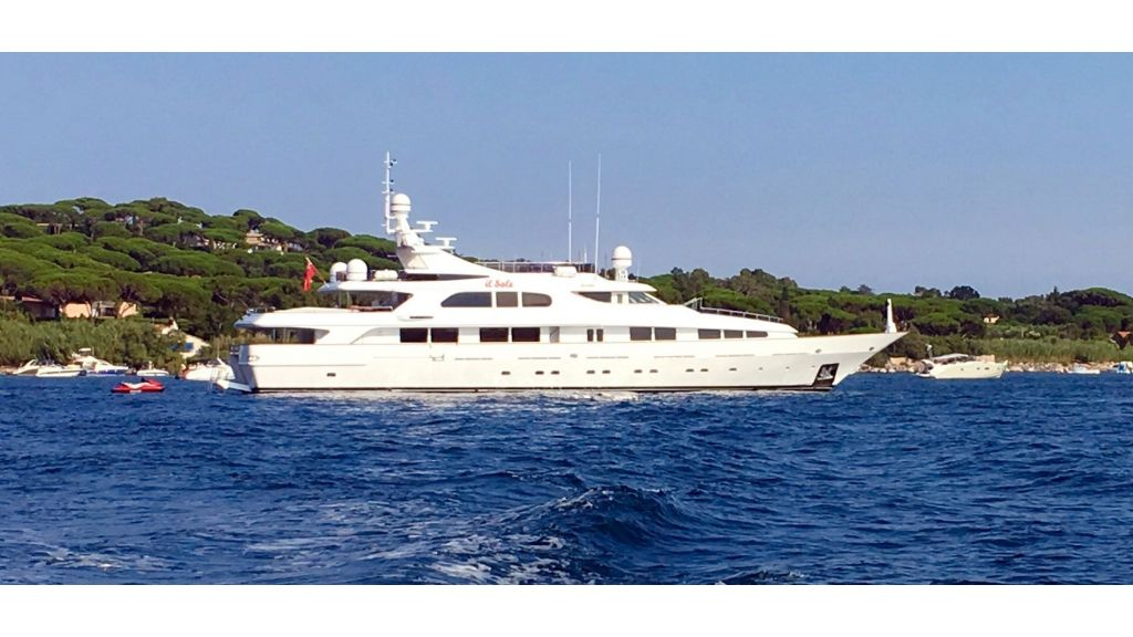 Luxury motor yacht Il Sole (59)