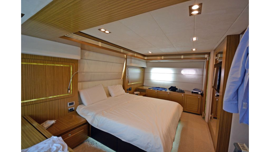 Luxury Trawler (20)