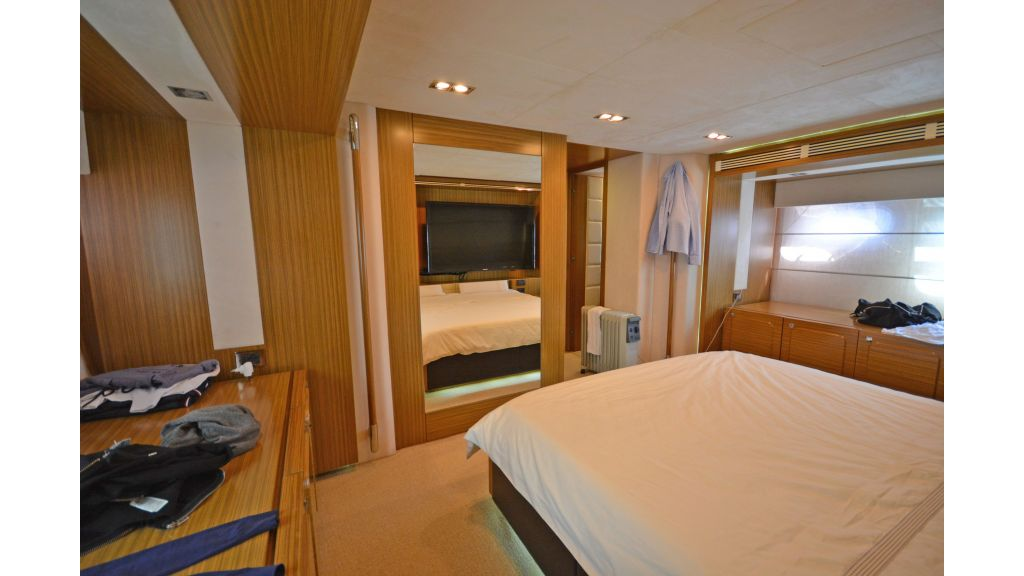 Luxury Trawler (22)