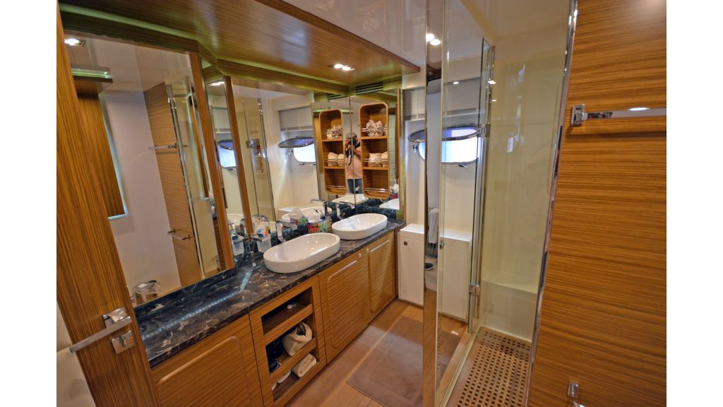 Luxury Trawler (23)