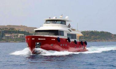 Luxury Trawler (3)